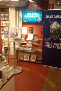 Signeringsbord i Varberg, Göransson Bok o papper.